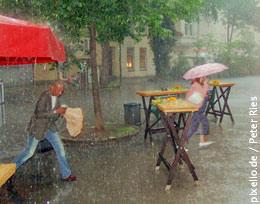 Nicht alle freuts - aber für Allergiker ist nach der ersten halben Stunde Regen die Luft am besten