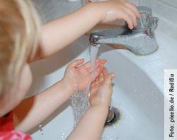 In der Grippezeit sollte man sich regelmässig die Hände waschen