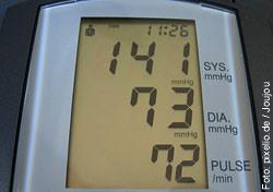 Der Blutdruck sollte von Zeit zu Zeit gemessen werden