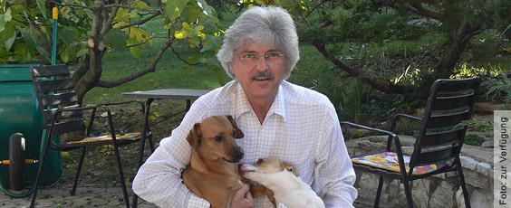 Manfred Völkel, Mitglied einer Tierschutzkommission, ehem. Dozent an der HWK Nürnberg und Studien-Analyst im Bereich der tierexperimentellen medizinischen Forschung