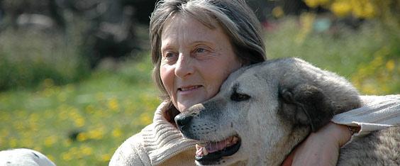 Tierschutzprojekt Djurdjevo: Monika Brukner - Ein Leben für die Tiere - Monika Brukner und Daram